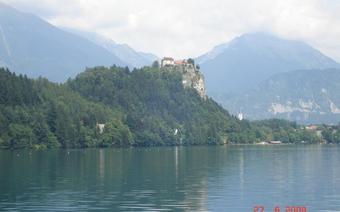 Jezioro Bled jest drugim co do wielkości w Alpach Julijskich.