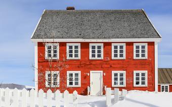 Dom Świętego Mikołaja w mieście Nuuk na Grenlandii